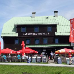 Tauplitzhaus im Sommer